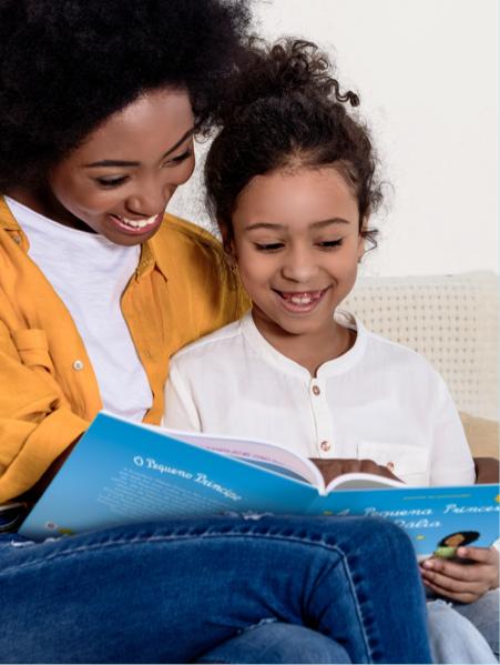 Imagem que relaciona a vantagem do livro personalizado e seu desenvolvimento nas crianças
